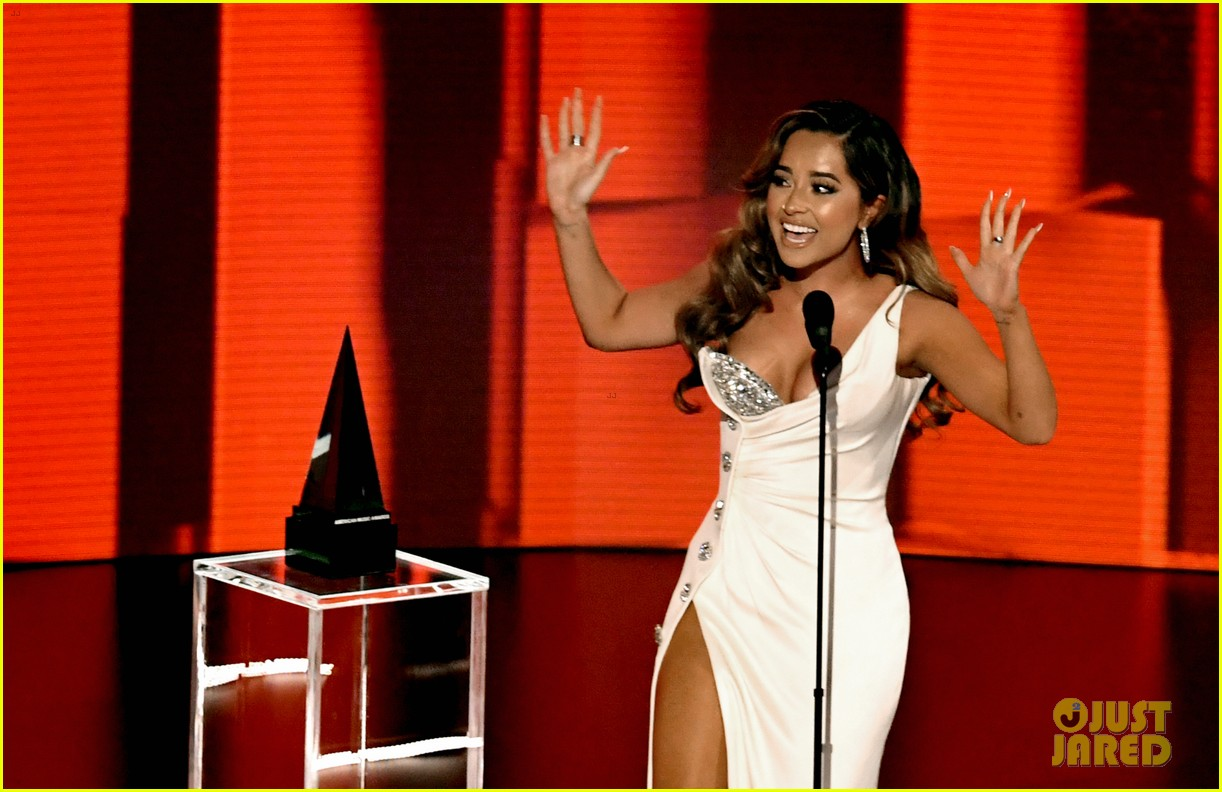 becky g wins favorite female latin artist american music awards 2020 09