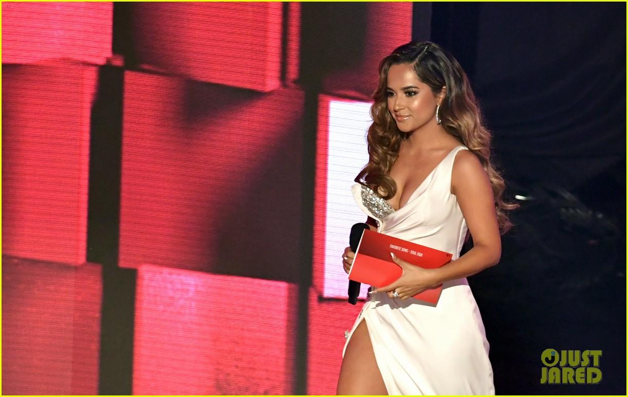 becky g wins favorite female latin artist american music awards 2020 10
