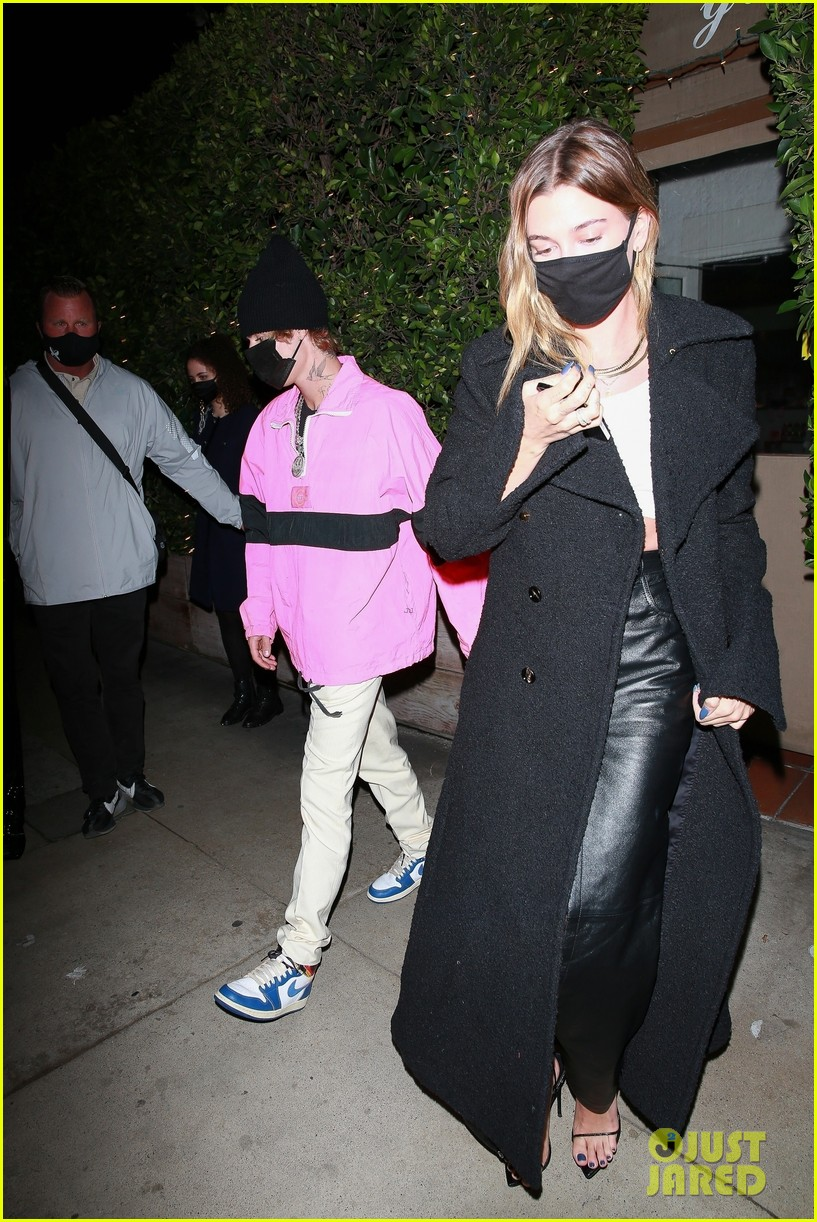 justin bieber hailey bieber out for dinner 05
