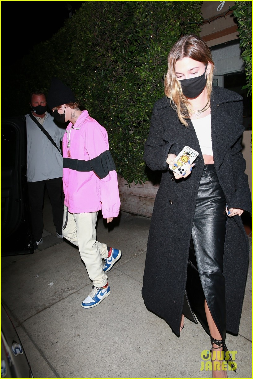 justin bieber hailey bieber out for dinner 12