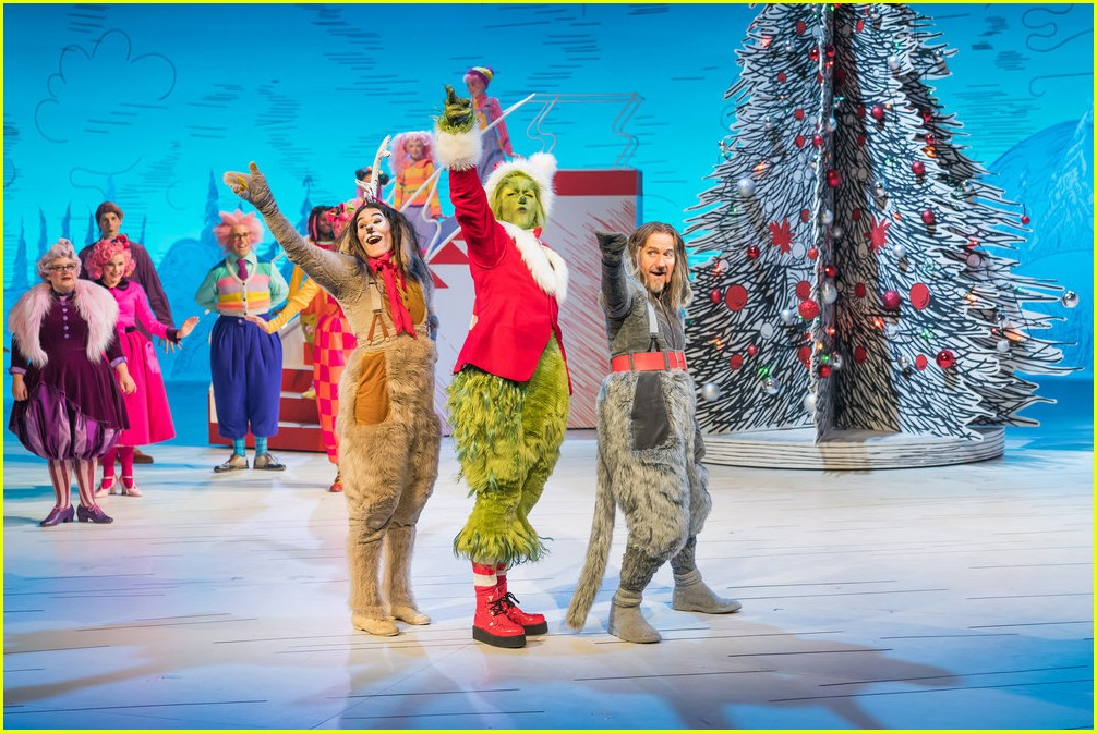 booboo stewart transforms into young max the dog from dr seuss the grinch 02