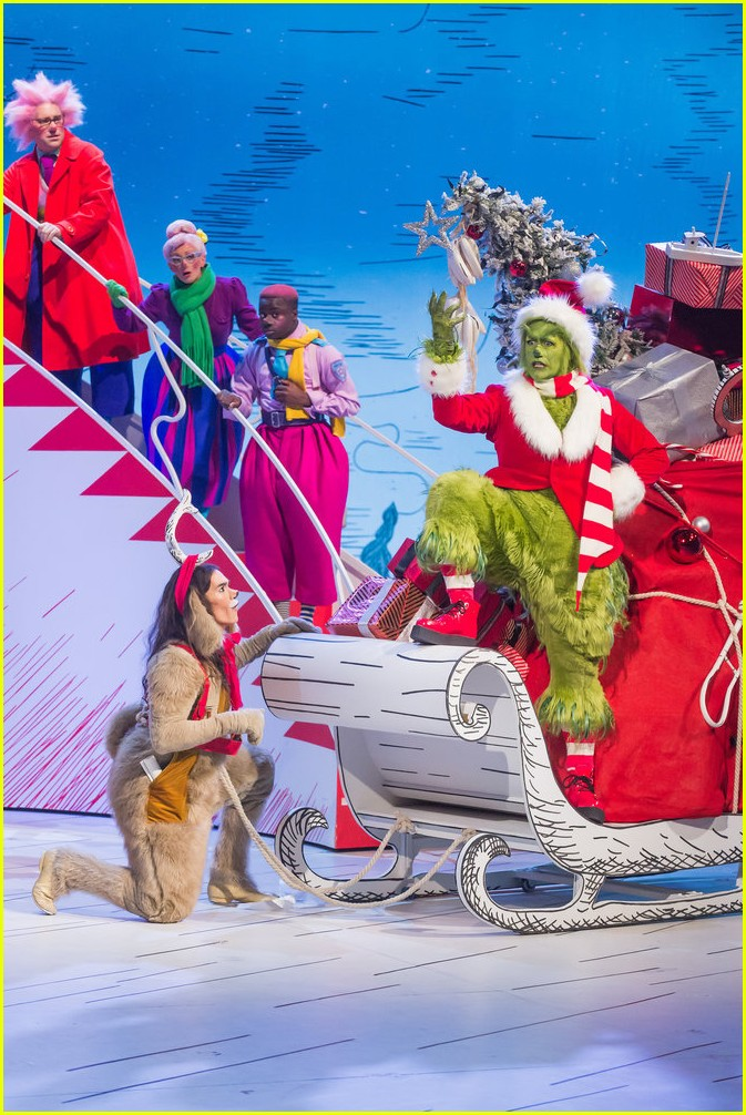booboo stewart transforms into young max the dog from dr seuss the grinch 05