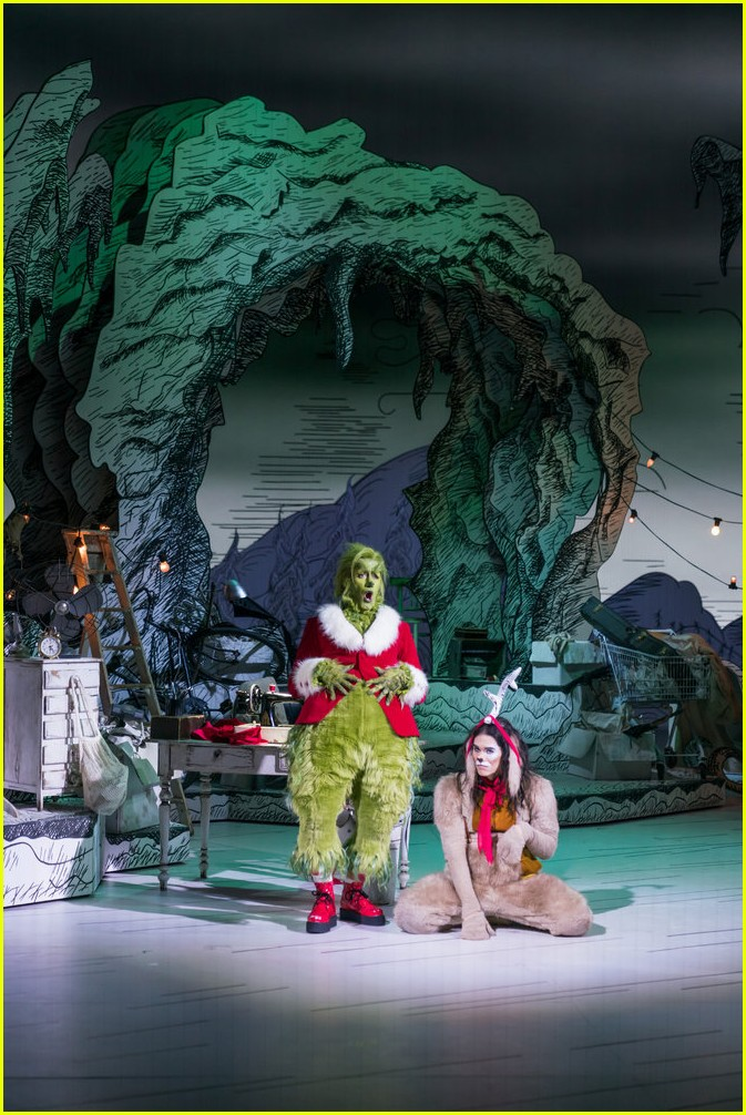 booboo stewart transforms into young max the dog from dr seuss the grinch 06