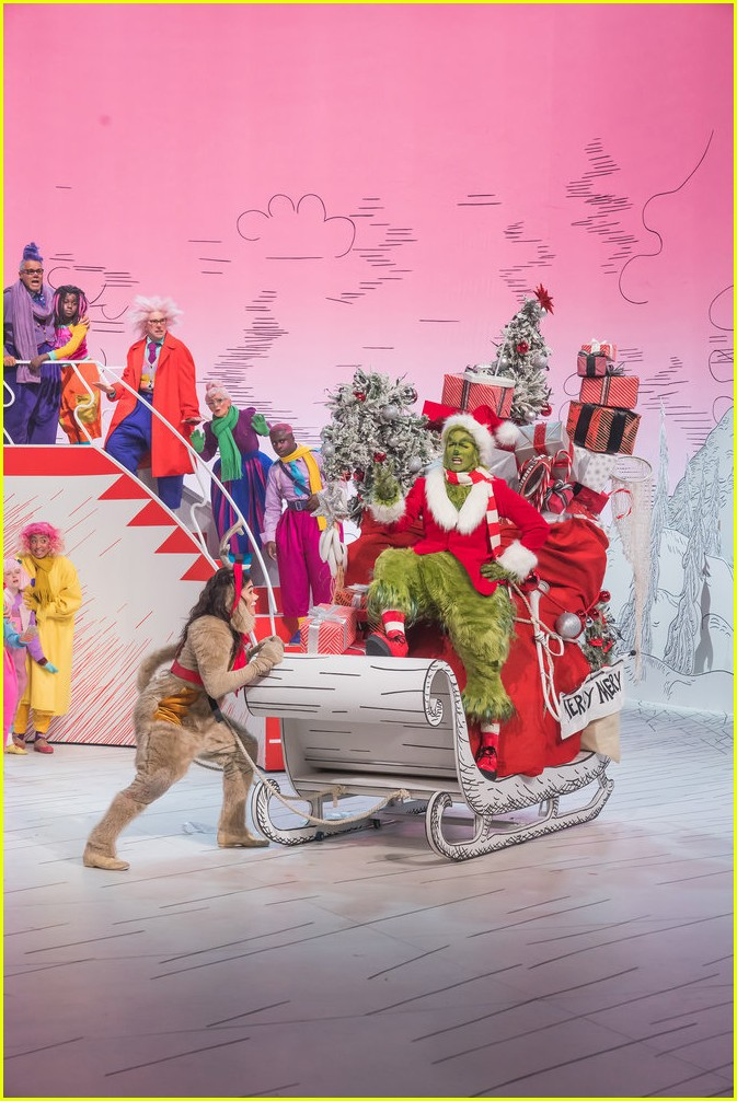 booboo stewart transforms into young max the dog from dr seuss the grinch 09