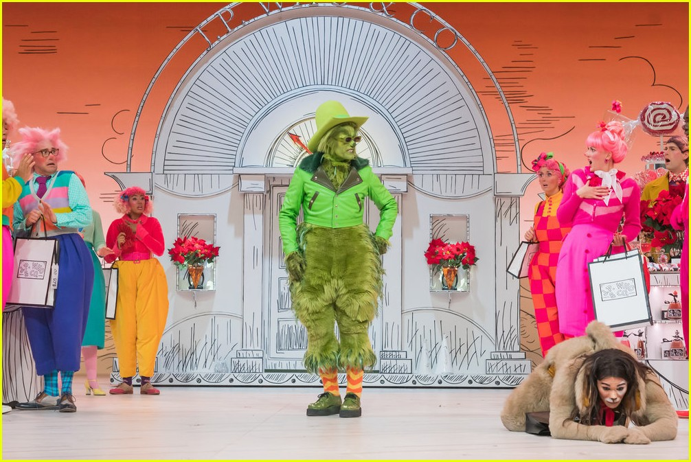 booboo stewart transforms into young max the dog from dr seuss the grinch 34