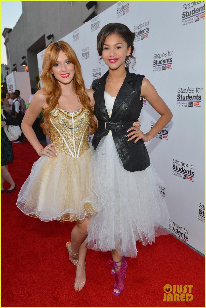 bella thorne says this made her and zendaya not be friends during first season of shake it up 01