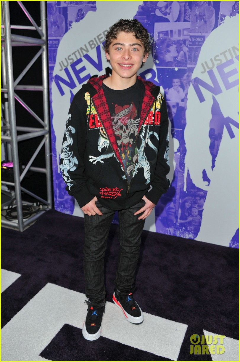 justin biebers never say never turns 10 wife hailey attended premiere with tons of stars 39