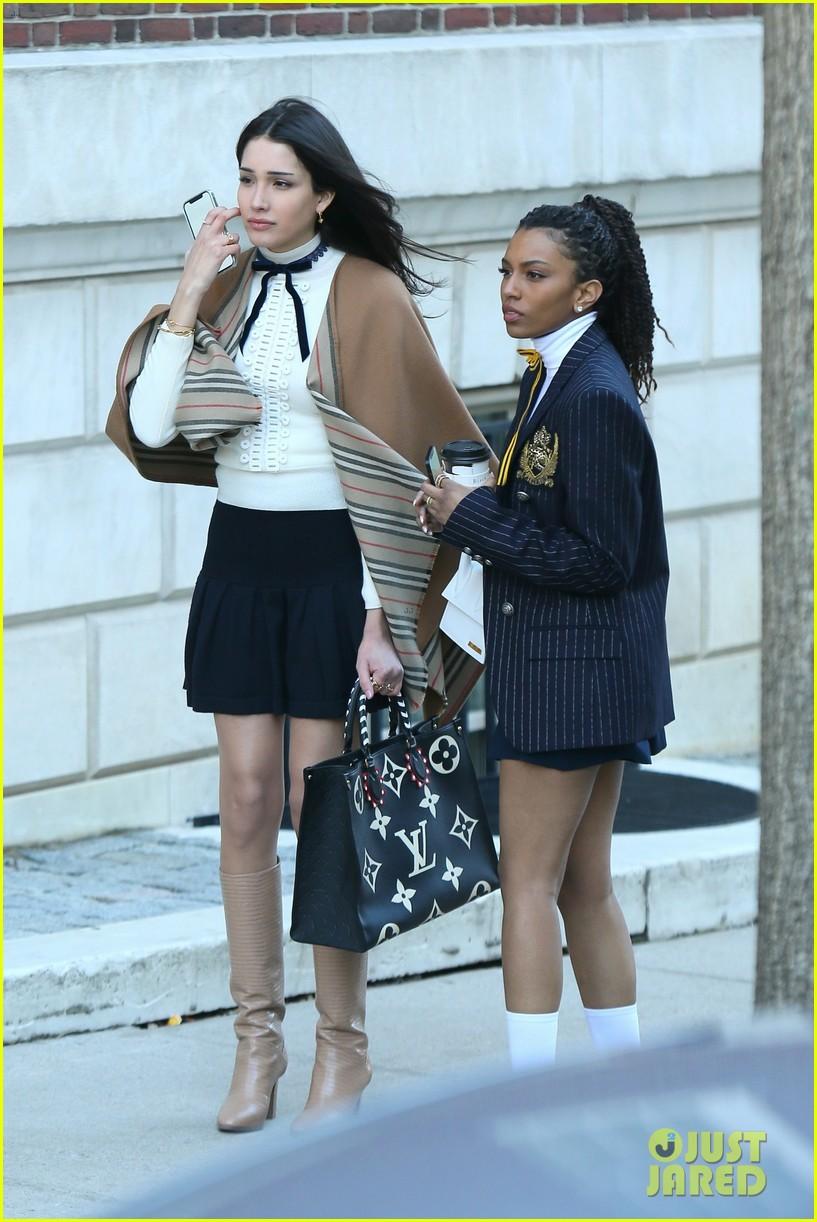 gossip girl cast return to set of upcoming series 01