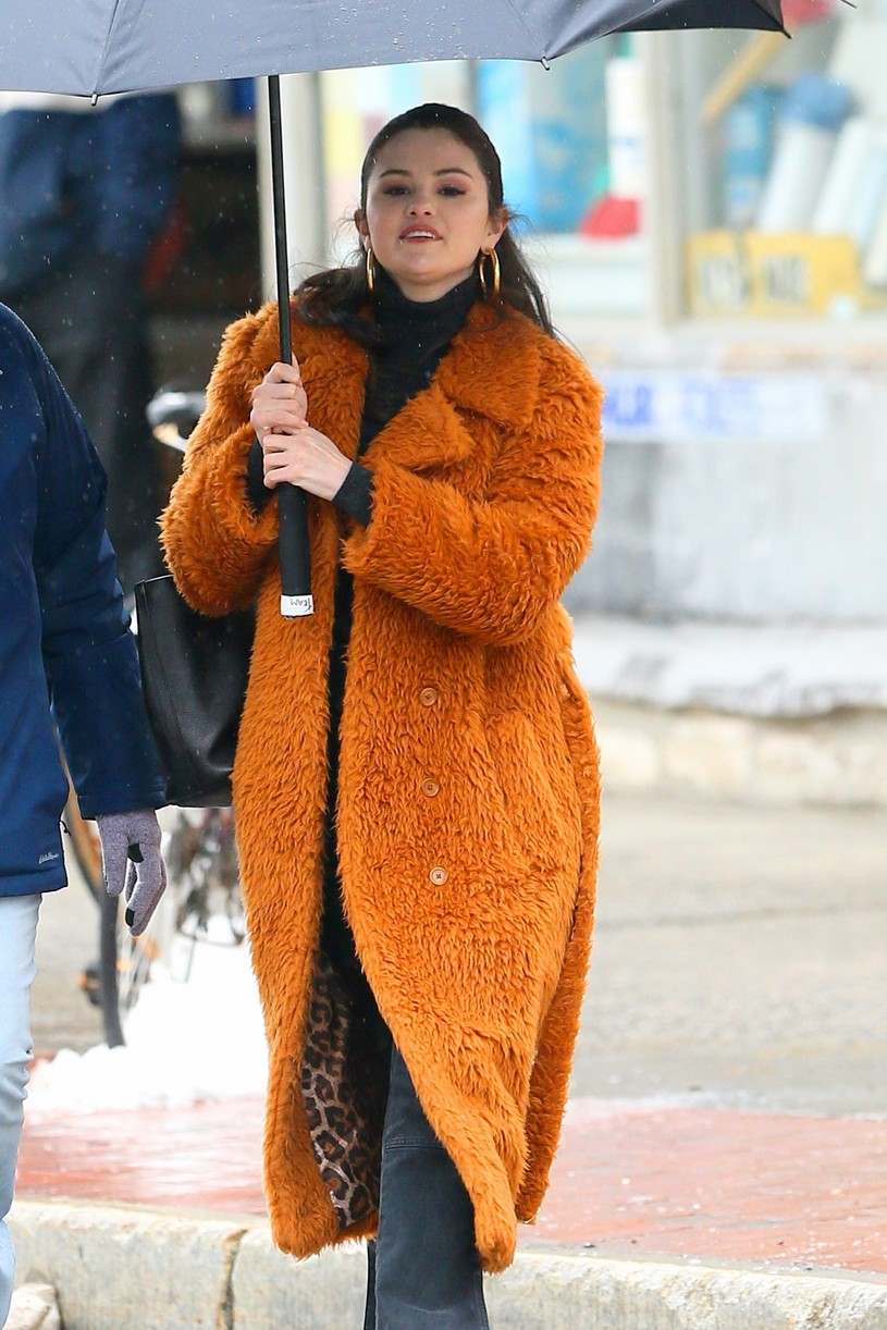 selena gomez leopard orange coat only murders martin short steve martin 01