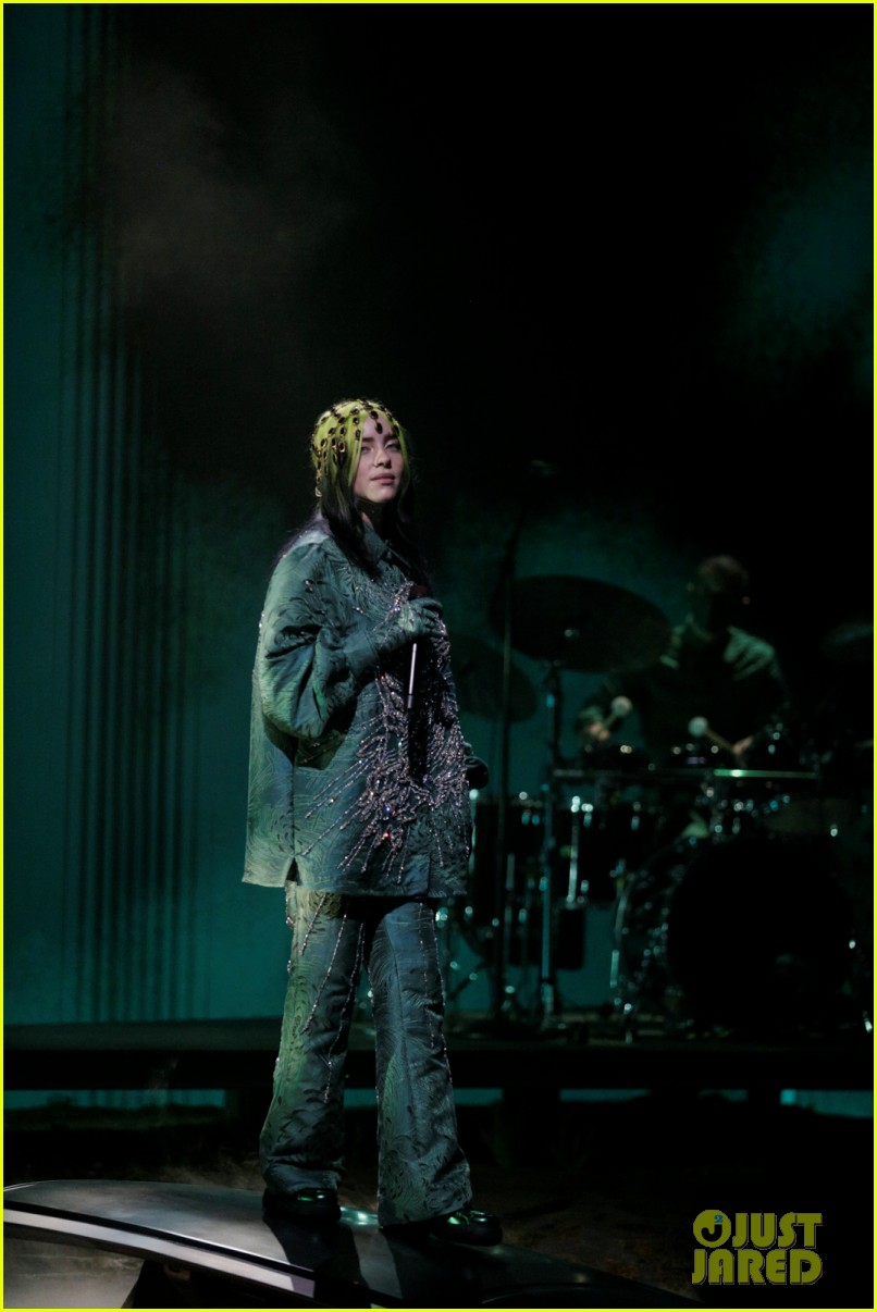 billie eilish performs everything i wanted at grammys 2021 02