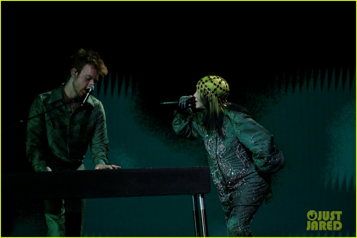 billie eilish performs everything i wanted at grammys 2021 10