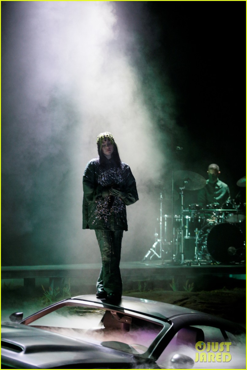 billie eilish performs everything i wanted at grammys 2021 11