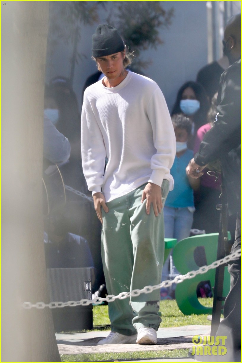 justin bieber performs at school after night out with hailey bieber 19