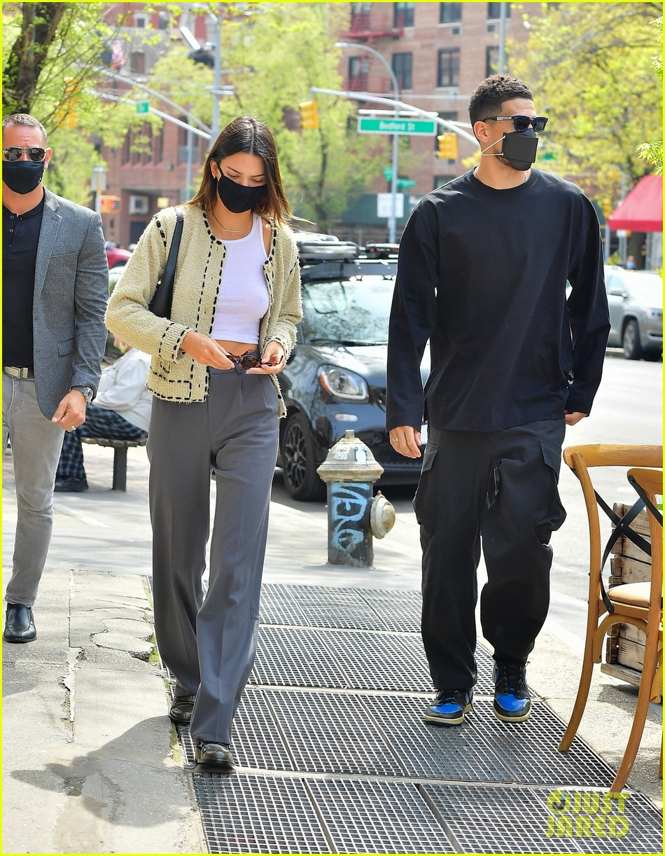 kendall jenner devin book couple up for lunch date 04