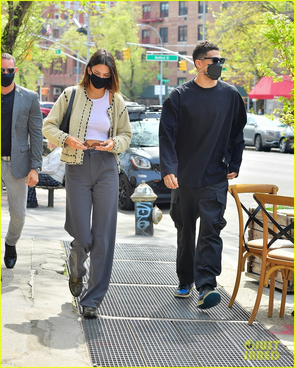kendall jenner devin book couple up for lunch date 10