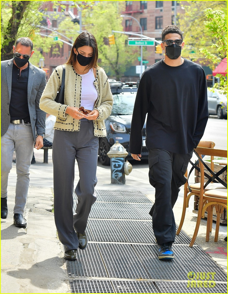 kendall jenner devin book couple up for lunch date 12