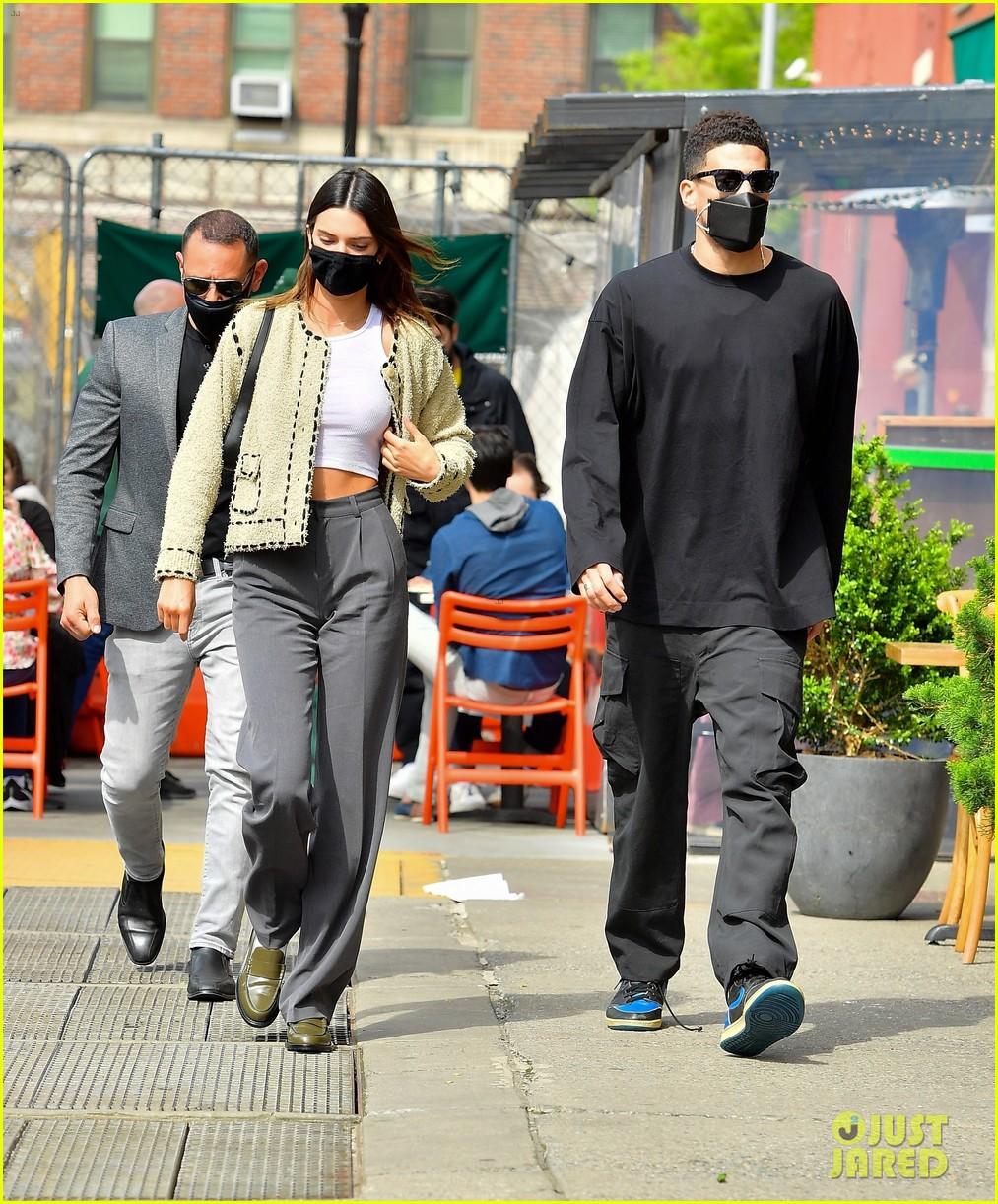kendall jenner devin book couple up for lunch date 14