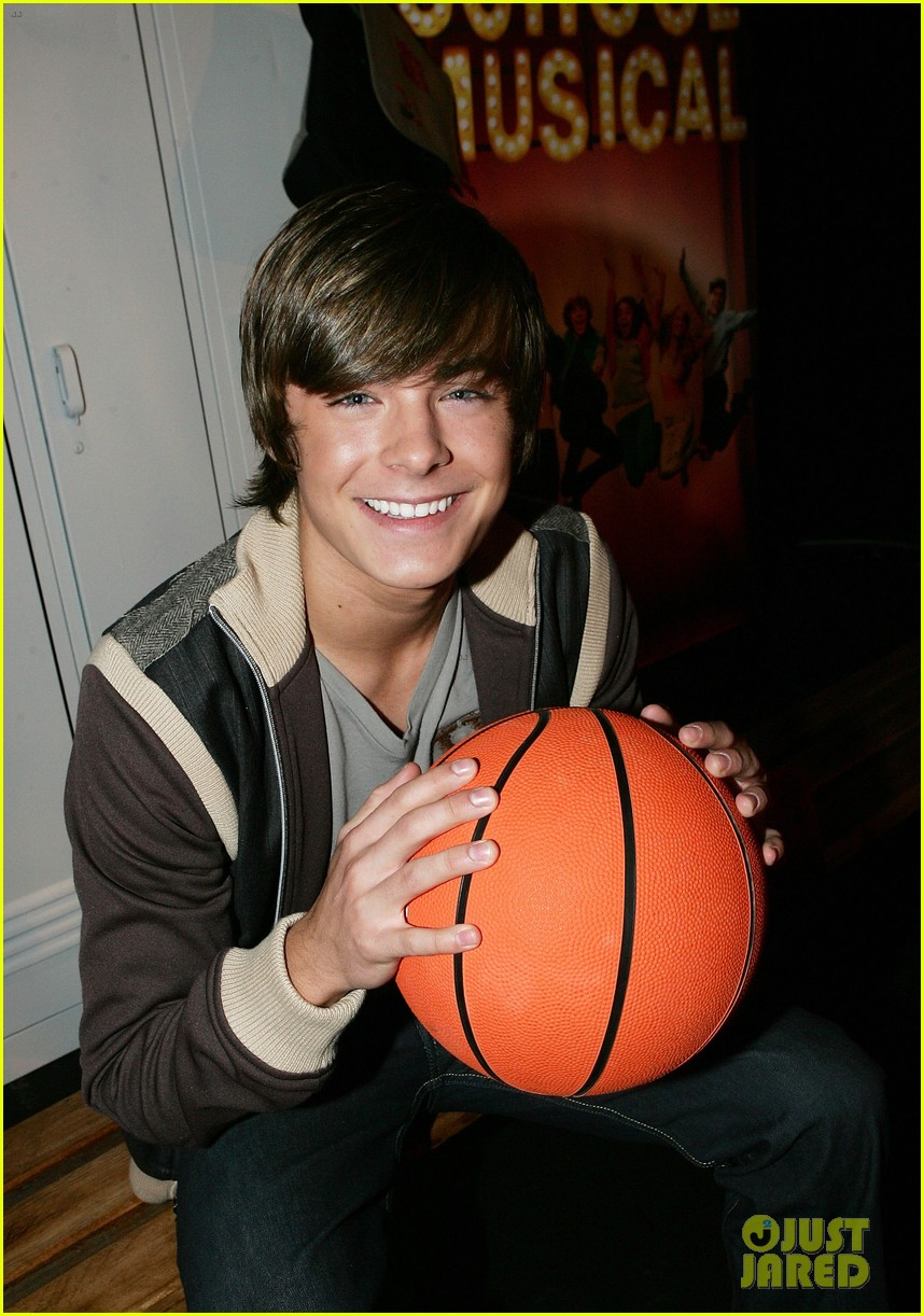check out zac efrons hollywood transformation over the years 06