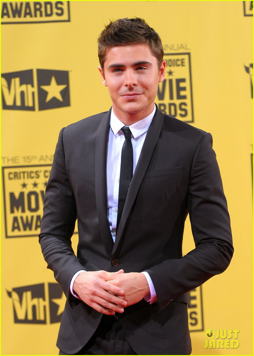 check out zac efrons hollywood transformation over the years 26