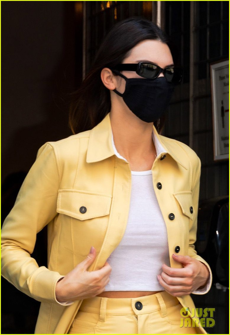 kendall jenner yellow gray white looks nyc 04