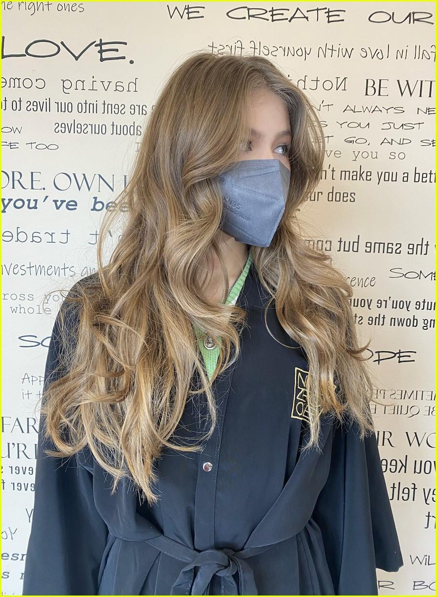 kerri medders chops off her long hair debuts short new do 01