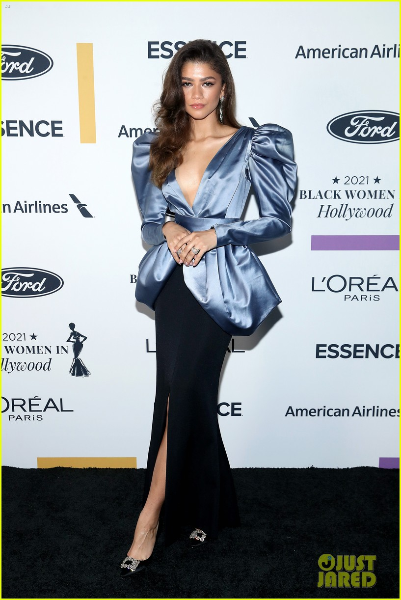 zendaya walks first red carpet in over a year see her gorgeous look 11