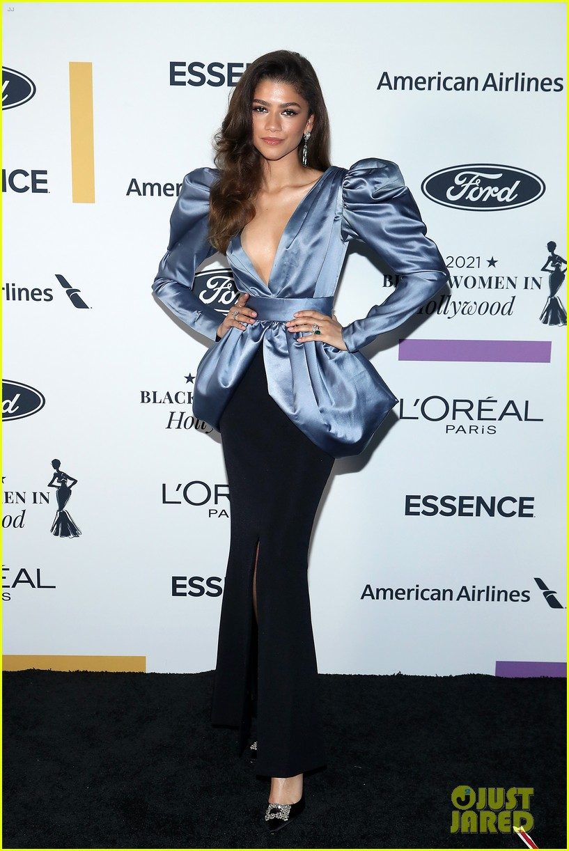 zendaya walks first red carpet in over a year see her gorgeous look 16