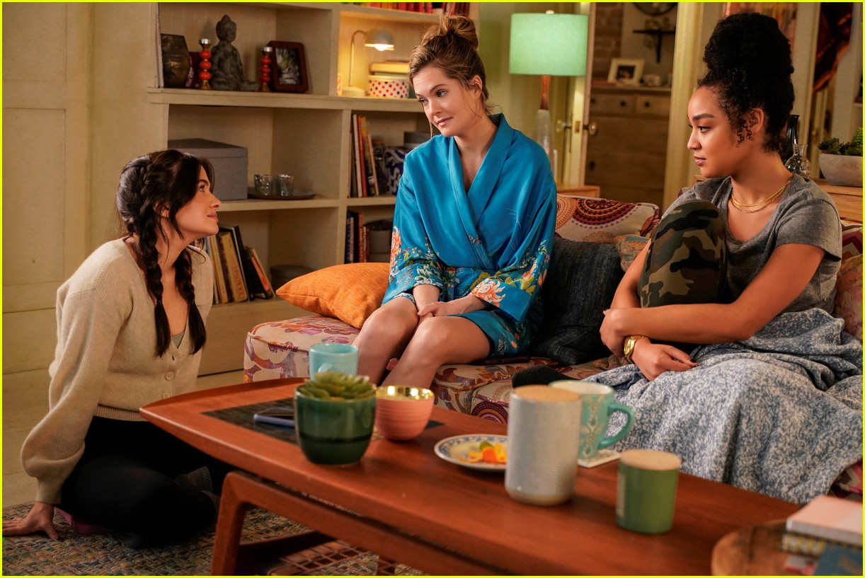 new the bold type images from season premiere released 11