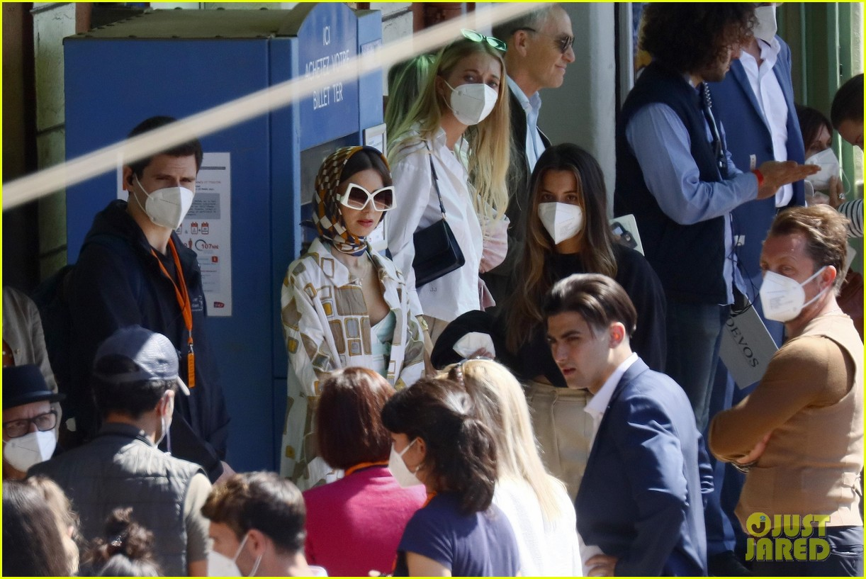 lily collins shooting emily in paris season two 19