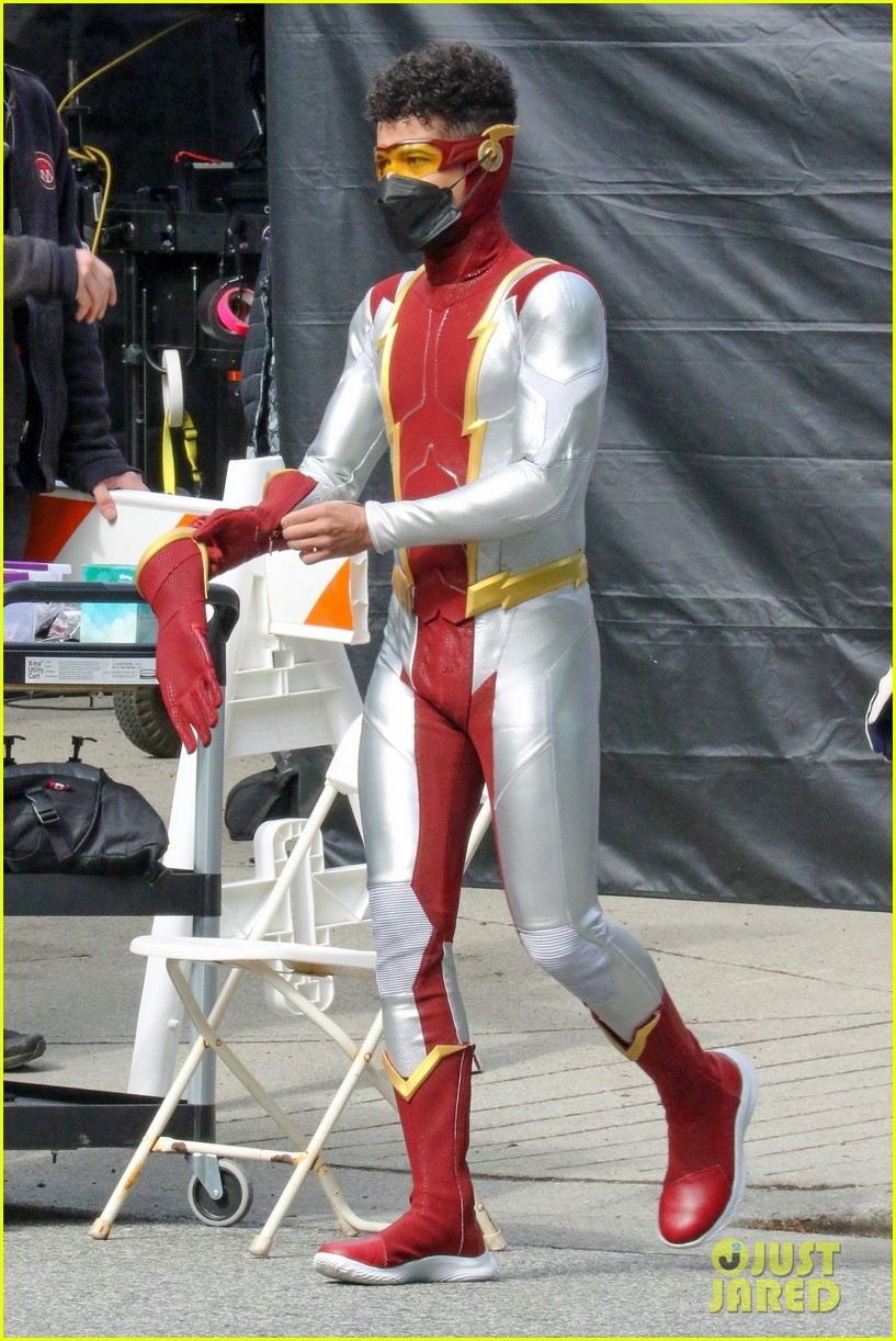 first look photos of jordan fisher as impulse on the flash 15