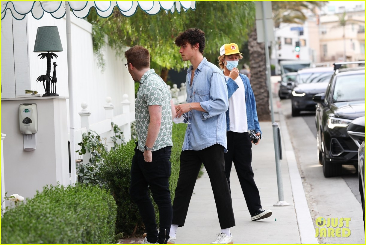 shawn mendes camila cabello west hollywood may 2021 39