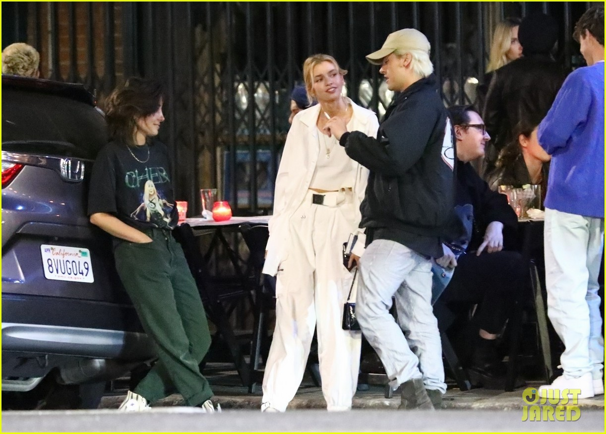 cole sprouse camila mendes stella maxwell hang out 02