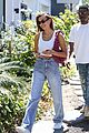 hailey bieber grabs lunch with justine skye 05