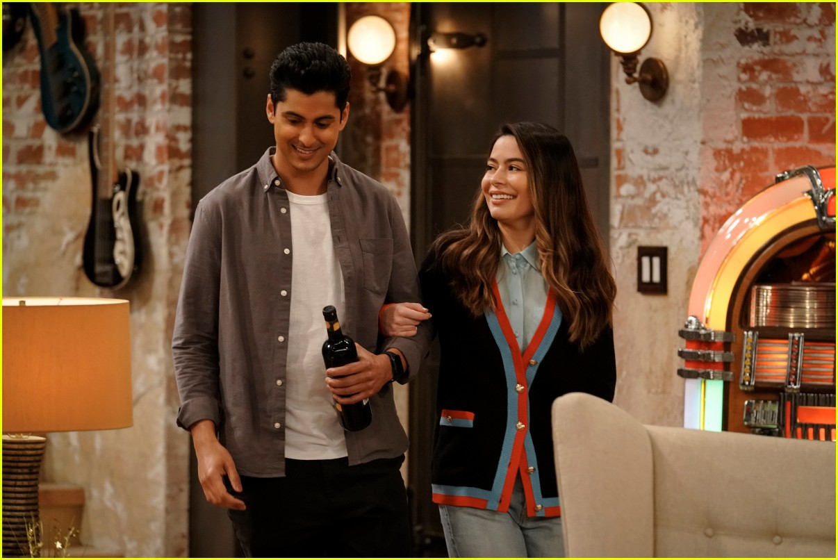 what time does icarly premiere on paramount plus 06