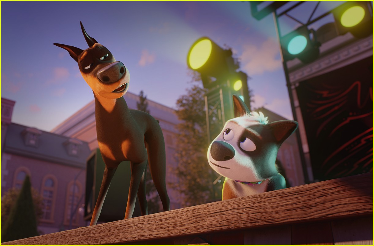 who stars in netflix dog gone trouble lucy hale olivia holt more 03.
