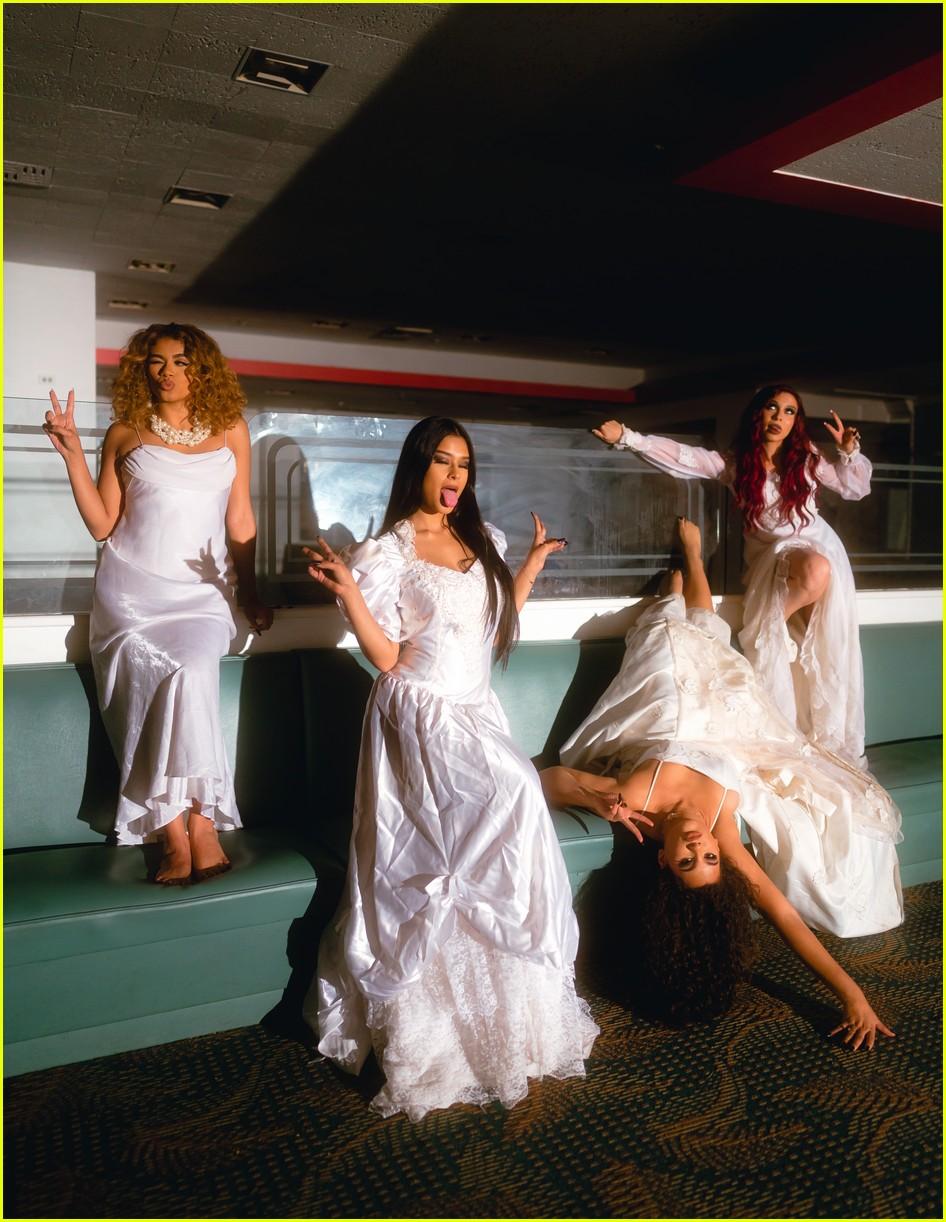 bella dose debut new she music video exclusive premiere 03