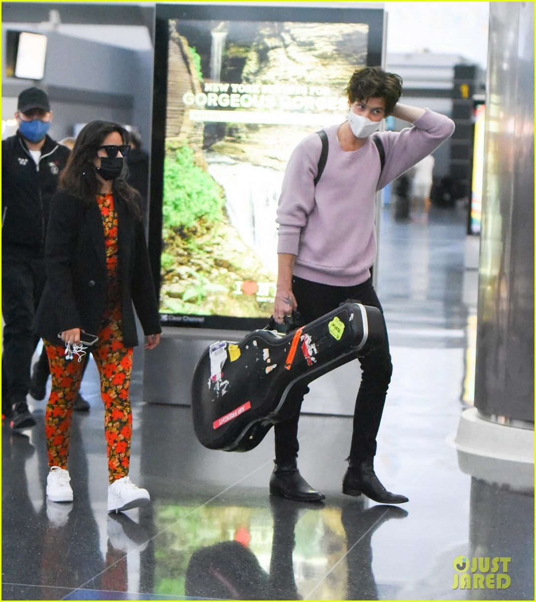 shawn mendes camila cabello couple up trip to nyc 01