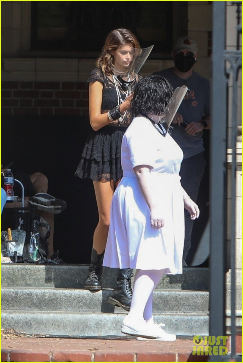 kaia gerber back at the murder house 05