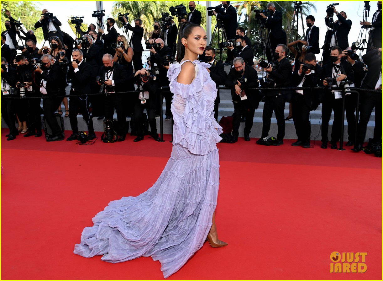 kat graham amelie zilber close out cannes film festival 2021 with loreal 05
