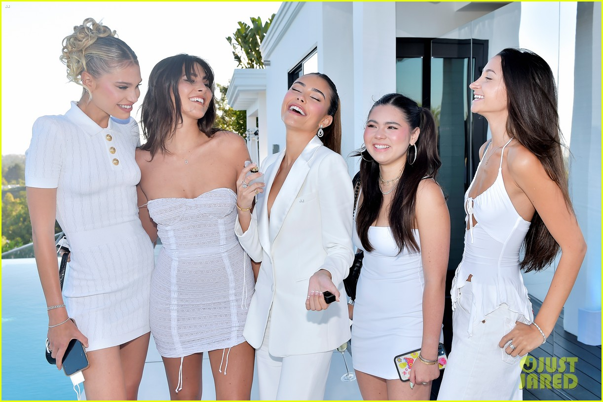 madison beer hosts victorias secret fragrance launch party 07