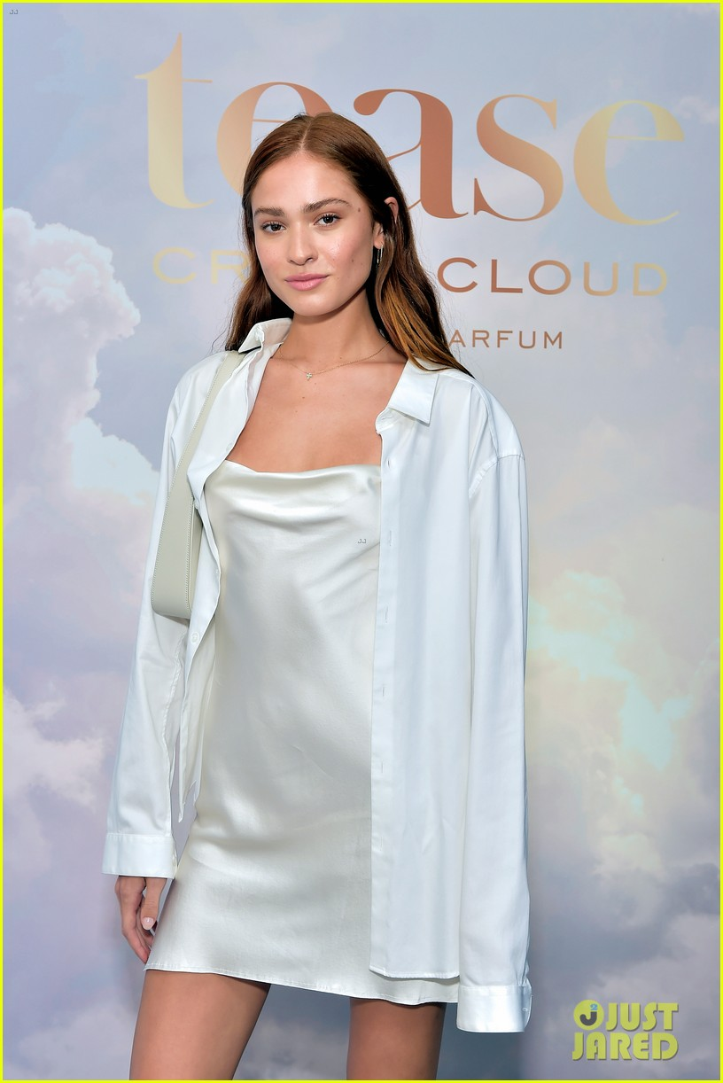 madison beer hosts victorias secret fragrance launch party 11