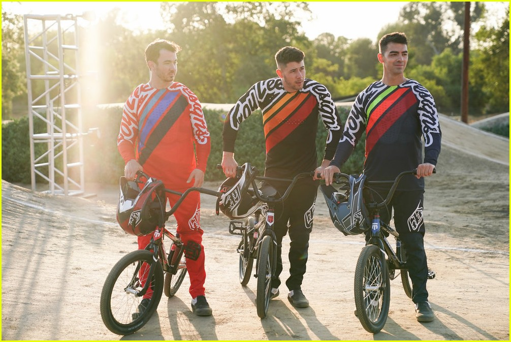 nick jonas bmx crash will be in the olympic dreams special 05