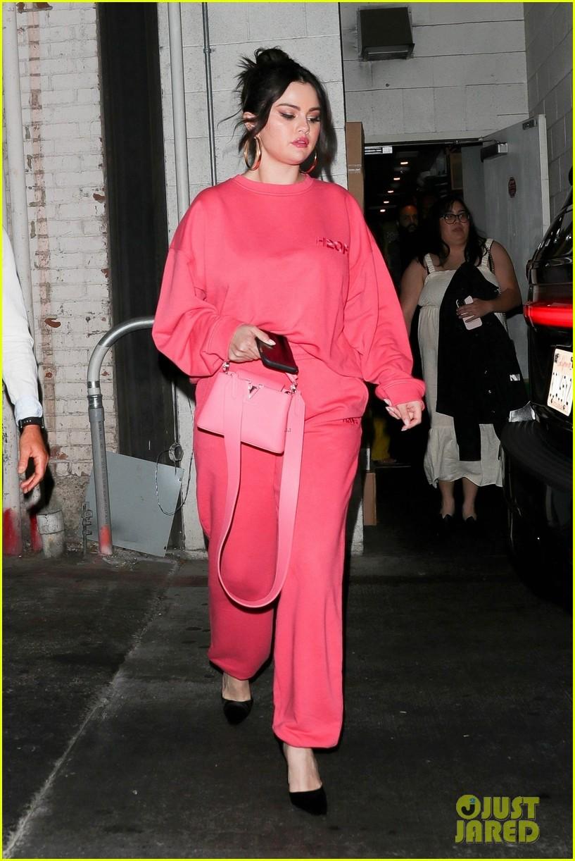 selena gomez monochromatic pink wallys dinner 01