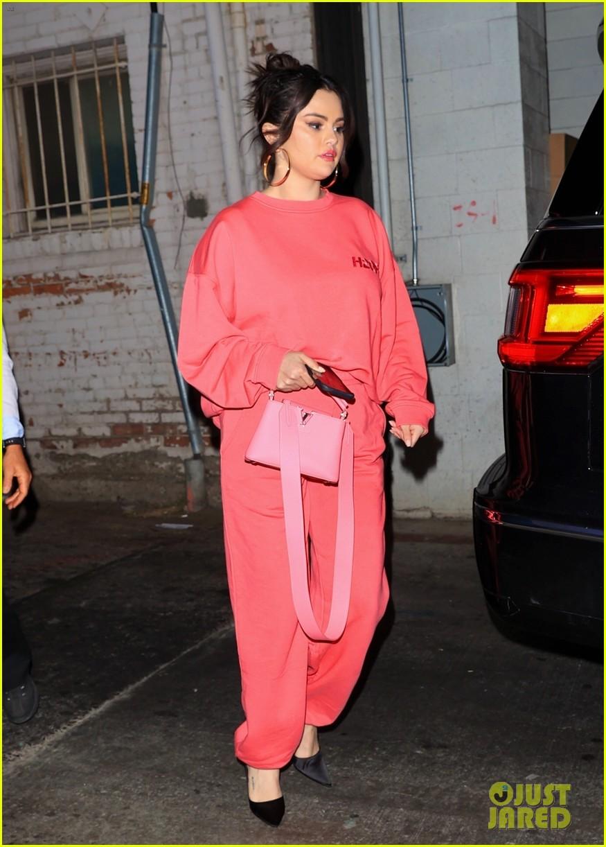 selena gomez monochromatic pink wallys dinner 05