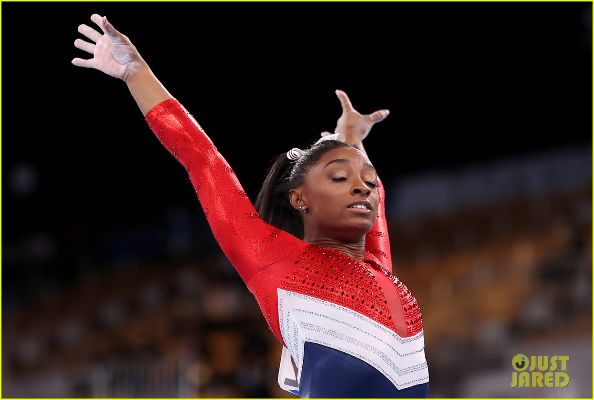 simone biles withdraws from olympic team event 01