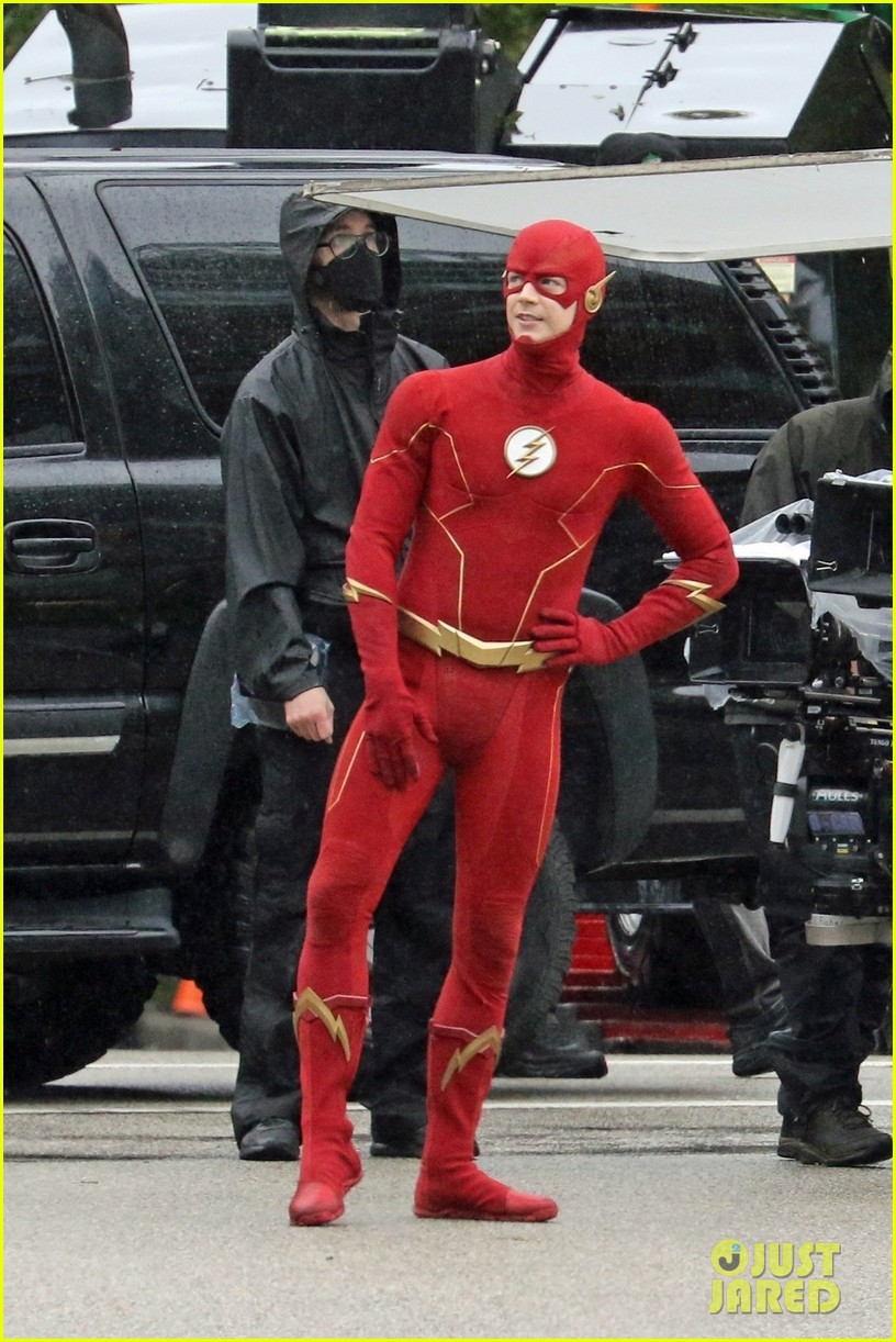 grant gustin photographed on the flash set for first time in season 8 10