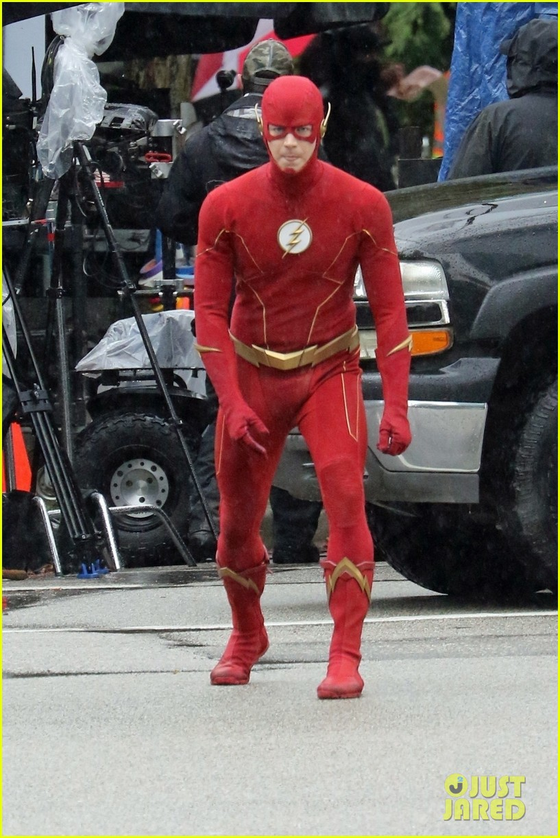 grant gustin photographed on the flash set for first time in season 8 20