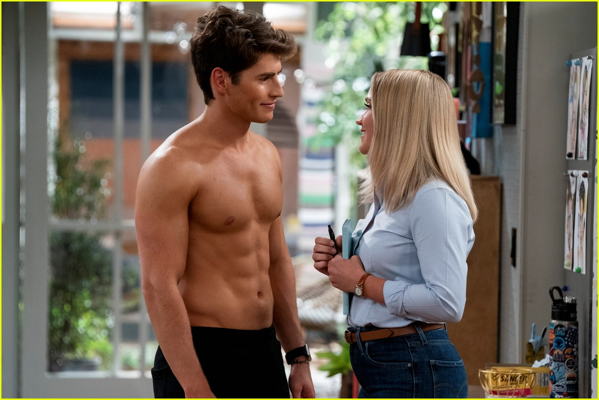 gregg sulkin shows off ripped abs in pretty smart trailer with emily osment 04