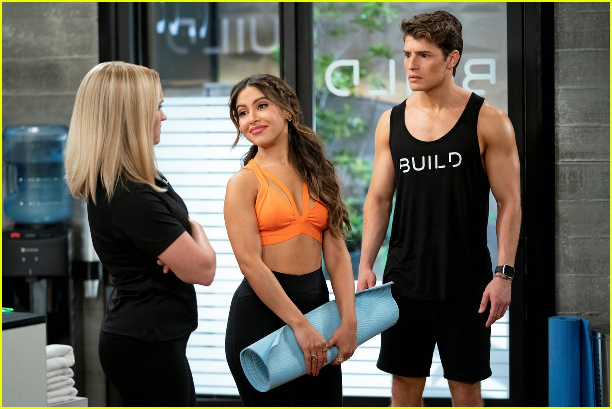 gregg sulkin shows off ripped abs in pretty smart trailer with emily osment 09
