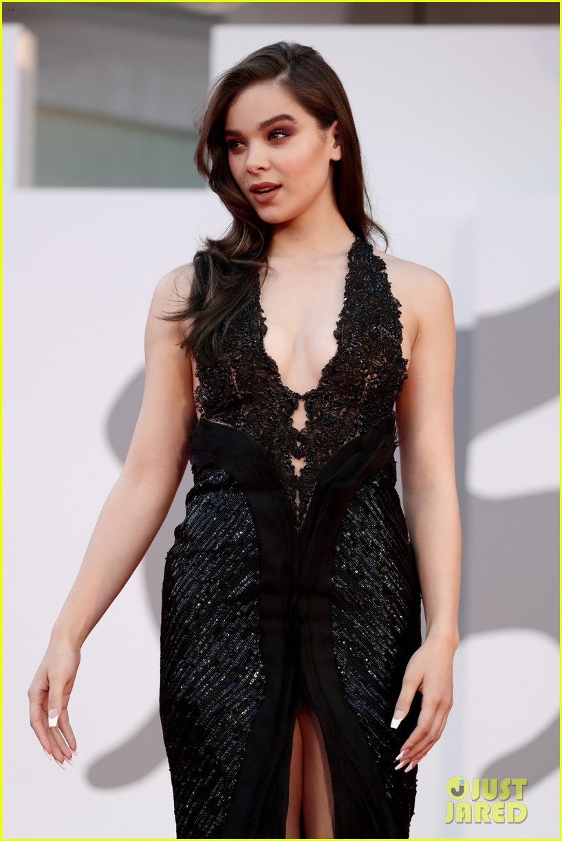 hailee steinfeld young hollywood venice film festival 10